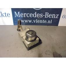 Abs pomp Mercedes C-klasse W203 A2095451432