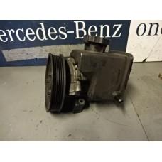 Stuurbekrachtigingspomp  Servo pomp Mercedes E270 CDI A6112300115
