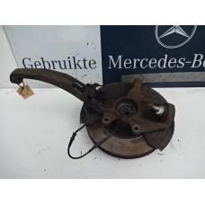 Fuseedeel/ Wielnaaf Mercedes  R - klasse W251 02060644 Links voor