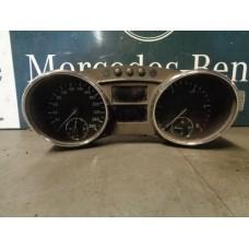 Instrumentenpaneel snelheidsmeter/ Tellerklok Mercedes W251 A2519002400 2519002400 251 900 2400