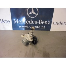 Abs pomp/pump Mercedes W169 A0064316712