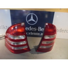 achterlicht / tail light Mercedes C-klasse W203 A2038201164 - A2038201264