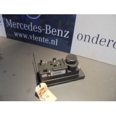 Centrale vergrendeling pomp Mercedes W210 A2108001748