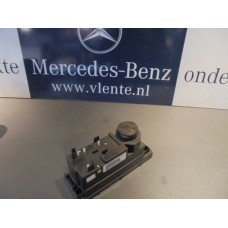 centrale vergrendeling pomp Mercedes  W210/W202 A2088001148