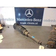 veerpoot links voor Mercedes E-Klasse W211